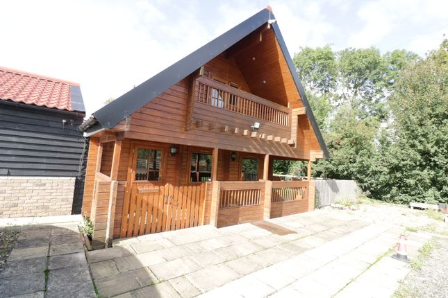 2 bed lodge to rent in Stambourne Road, Finchingfield CM7