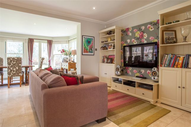 Family Room of Hazel Grove, Kingwood, Henley-On-Thames, Oxfordshire RG9