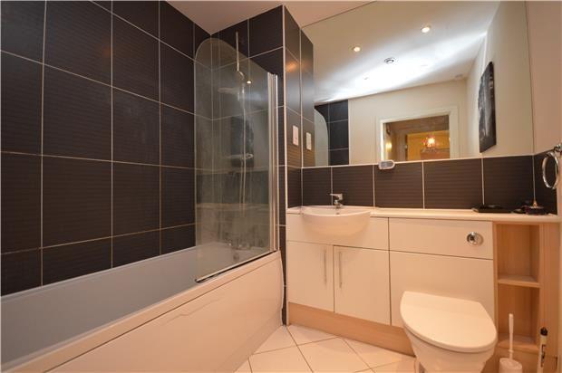 Thumbnail Flat to rent in Yenston Close, Morden, Surrey