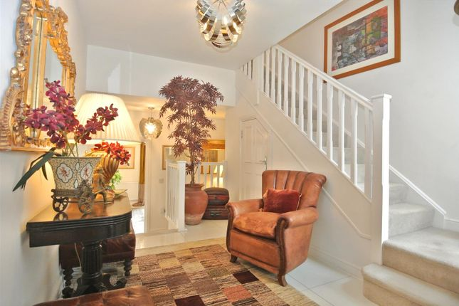 A Welcoming Entrance Hall