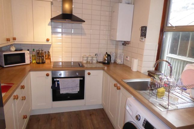 Thumbnail Property to rent in Carmarthen