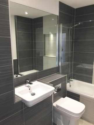 Thumbnail Flat to rent in Lower Stone Street, Maidstone