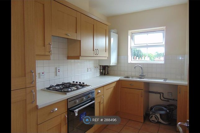 Thumbnail Flat to rent in Waterside Court, London