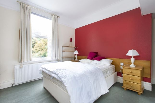 Bedroom of Baring Road, London SE12