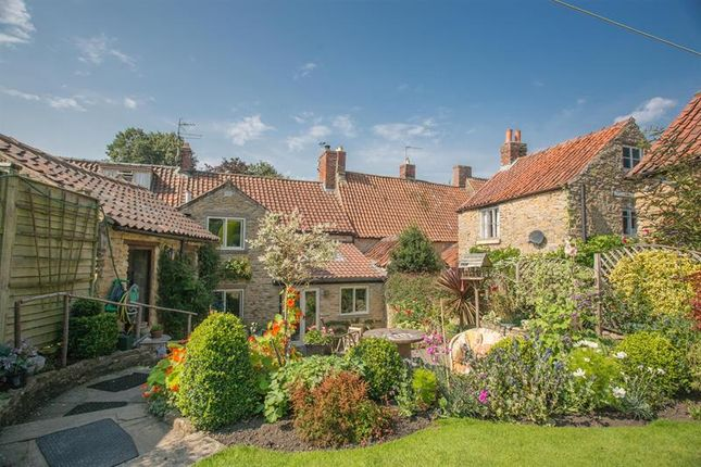 Thumbnail Cottage for sale in High Street, Helmsley, York