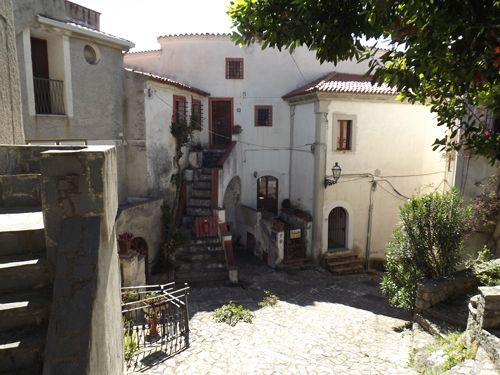 2 bed town house for sale in Via Municipale, Scalea, Calabria, Italy