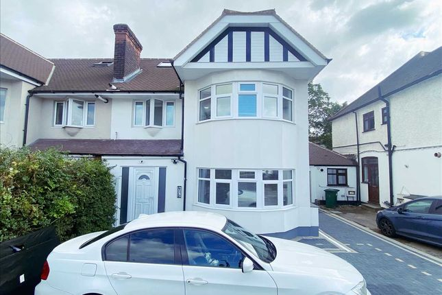 Thumbnail 1 bed flat to rent in Hendon Way, Hendon, London