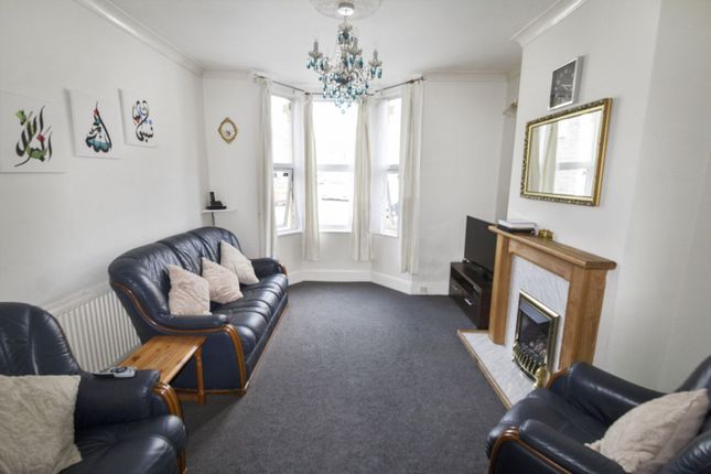 Lounge of Cossham Road, St George BS5