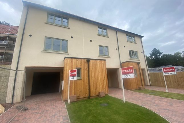 Thumbnail Terraced house to rent in Mill Lake, Bourton, Gillingham