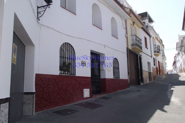3 bed town house for sale in Alhaurin El Grande, Málaga, Spain