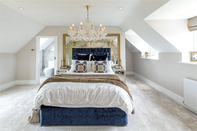 Master Bedroom of Barton-On-The-Heath, Moreton-In-Marsh, Gloucestershire GL56