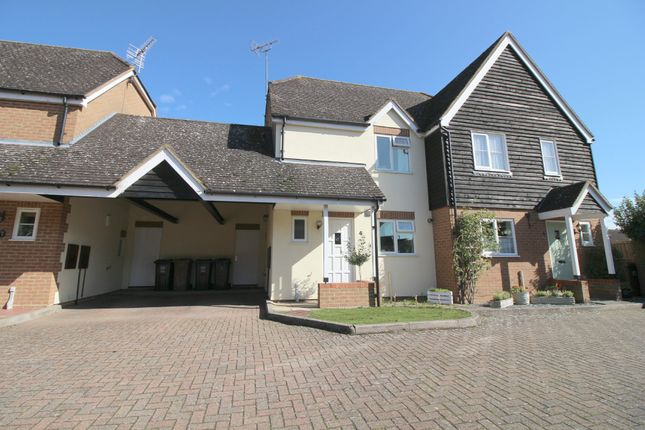 Thumbnail Semi-detached house to rent in High Street, Watton At Stone, Hertford