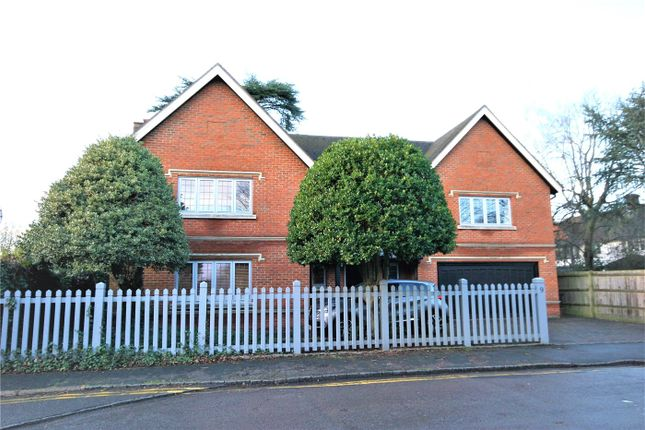 Thumbnail Detached house to rent in Orchehill Rise, Gerrards Cross, Buckinghamshire
