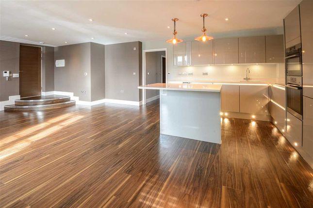 Thumbnail Flat to rent in Looms Lane, Bury St. Edmunds