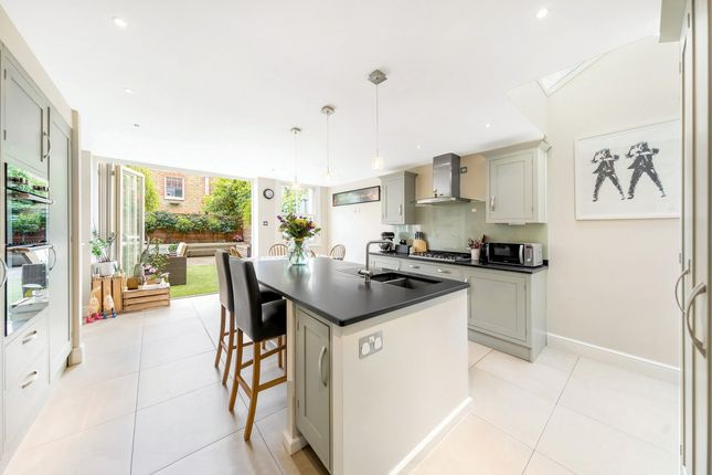 Thumbnail Terraced house for sale in Rosebery Road, London, London