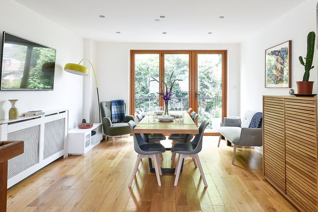 Thumbnail Terraced house to rent in Chartfield Square, London