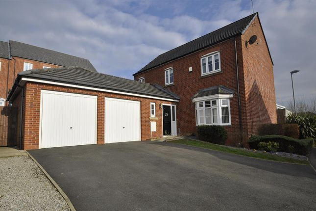 Thumbnail Detached house for sale in The Links, Hyde