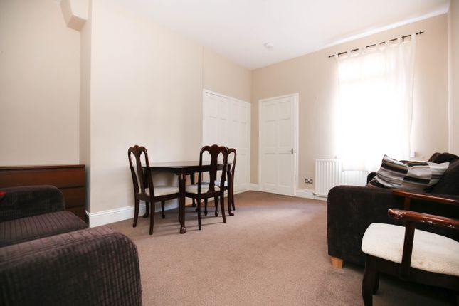 2 bed flat to rent in Ashfield Road, Gosforth, Newcastle Upon Tyne