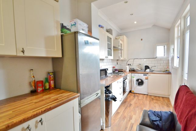 Thumbnail Terraced house to rent in Oakleigh Road North, Whetstone