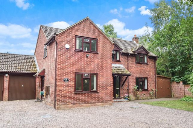 Thumbnail Detached house for sale in Church Road, Tadley
