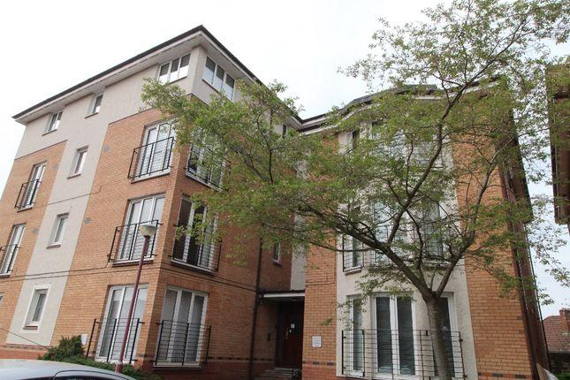 Thumbnail Flat to rent in St Andrews Drive, Coatbridge, North Lanarkshire