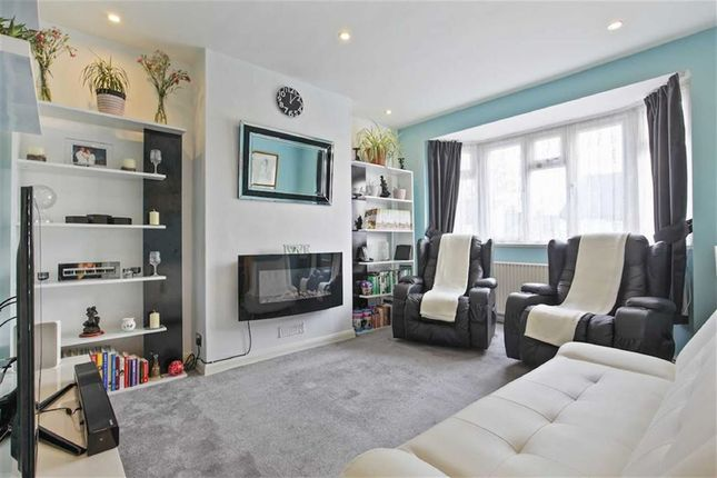 Thumbnail Maisonette for sale in Mosslea Road, Penge, London