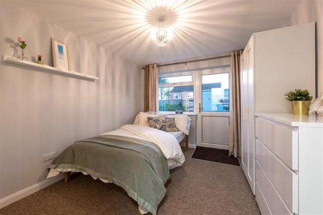 Thumbnail Property to rent in Mallory Close, Taunton