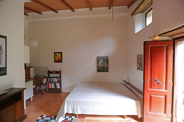 Guest Bedroom of Fondi Di Sopra, Lisciano Niccone, Umbria