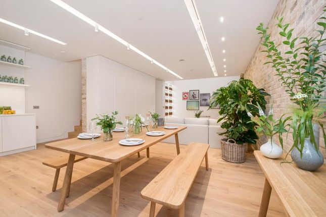 Thumbnail Town house to rent in Bingham Place, London