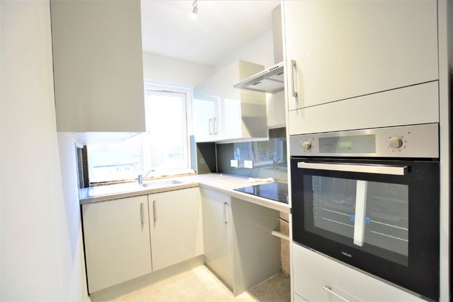 Thumbnail Flat to rent in Windlesham Road, City Centre, Brighton