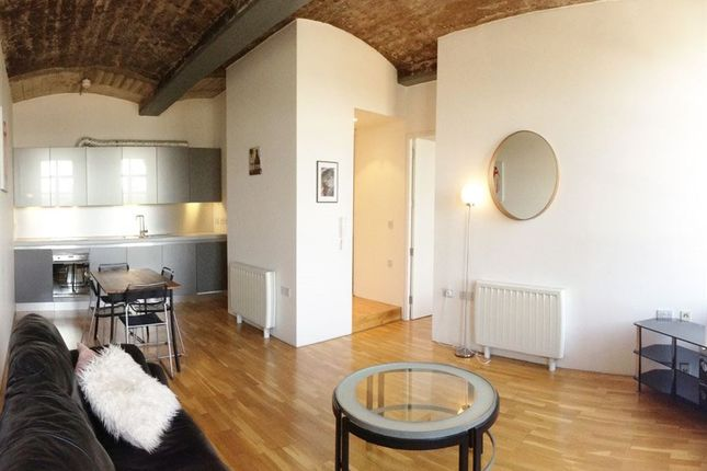 1 Bed Flat To Rent In New York Loft Style, Silk Warehouse 1 Bedroom