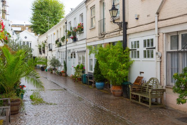 Serviced town house to rent in Stanhope Mews South, London SW7