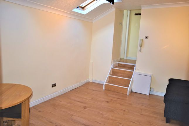 Thumbnail Studio to rent in 8 Sandy Grove, Salford