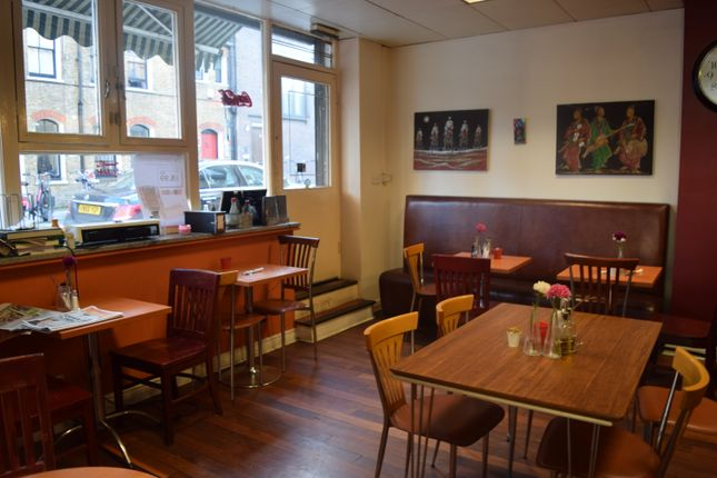 Thumbnail Restaurant/cafe for sale in Grays Inn Rd, London
