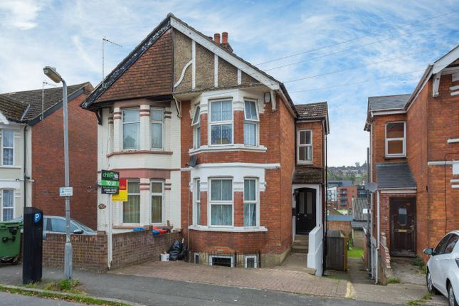 Thumbnail Flat for sale in Roberts Road, High Wycombe