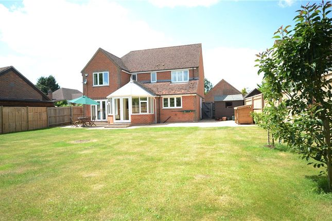 Picture No. 18 of Lucerne Drive, Stadhampton, Oxford OX44