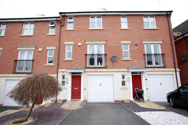 Thumbnail Property to rent in Hedingham Close, Ilkeston