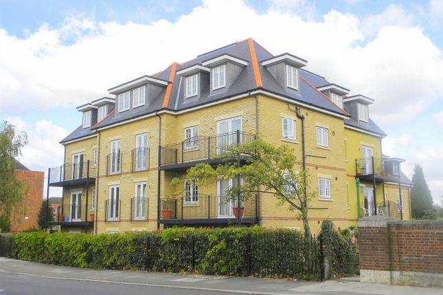 Thumbnail Flat to rent in River Bank, London