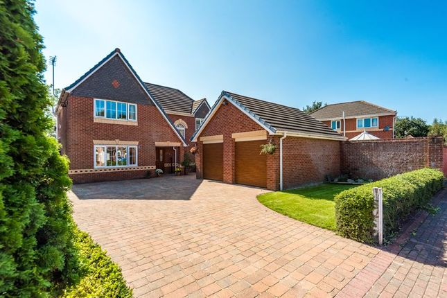 Thumbnail Detached house for sale in Oakmoore, Runcorn