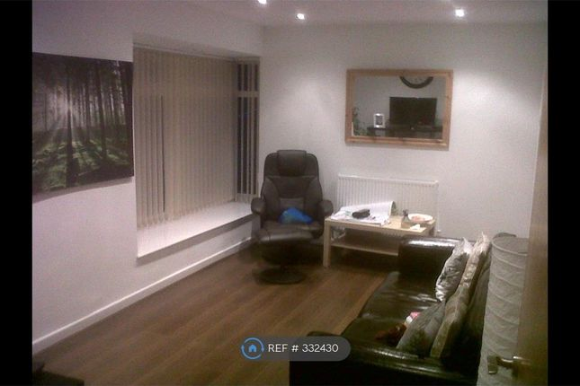 2 bed flat to rent in North Drive, Liverpool