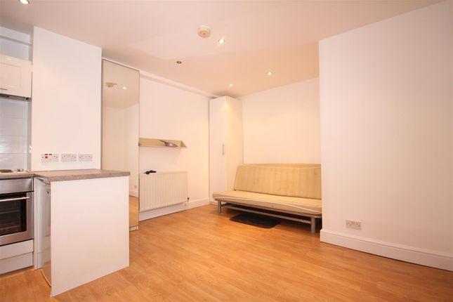 Studio to rent in Manor Park Road, Harlesden
