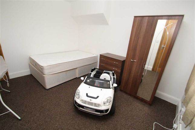 Property to rent in Horton Road, West Drayton, Middx