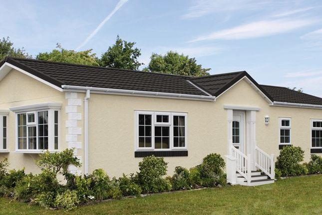 Thumbnail Mobile/park home for sale in Moorside, Oak Tree Park, St. Leonards, Ringwood