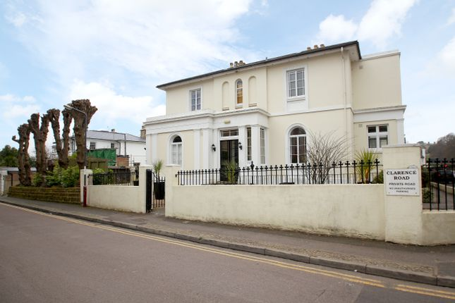 Thumbnail Town house to rent in 1 Clarence Road, Tunbridge Wells