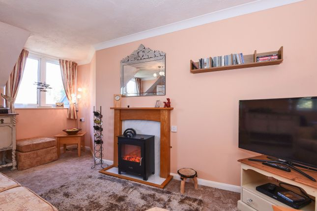 2 bed property for sale in Buckingham Court, Middleton On Sea ...