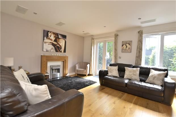 Thumbnail Property for sale in Holmes Close, Purley, Surrey