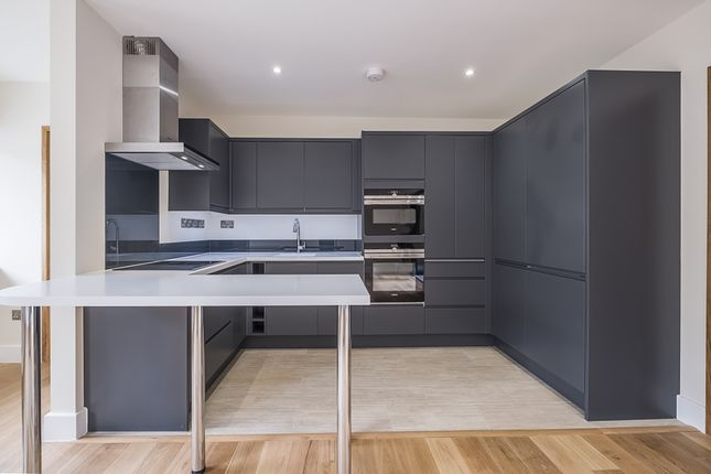 Thumbnail Terraced house to rent in Thorncliffe Road, London