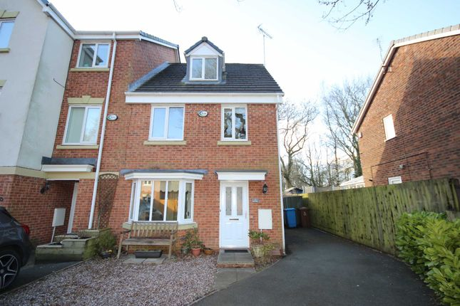 Thumbnail Town house to rent in Oakwood Drive, Walkden, Worsley