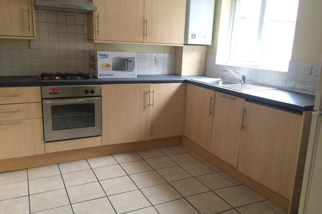 Thumbnail Shared accommodation to rent in Teversal Avenue, Lenton, Nottingham