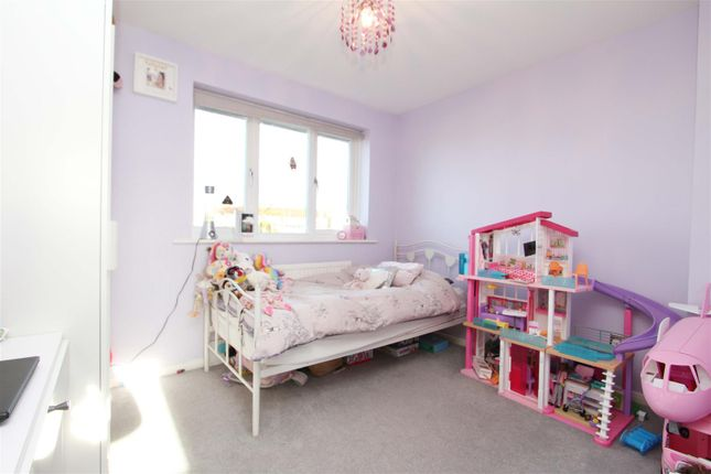 Bedroom of Aylsham Drive, Uxbridge UB10